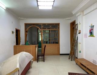 3室2厅2卫133m²